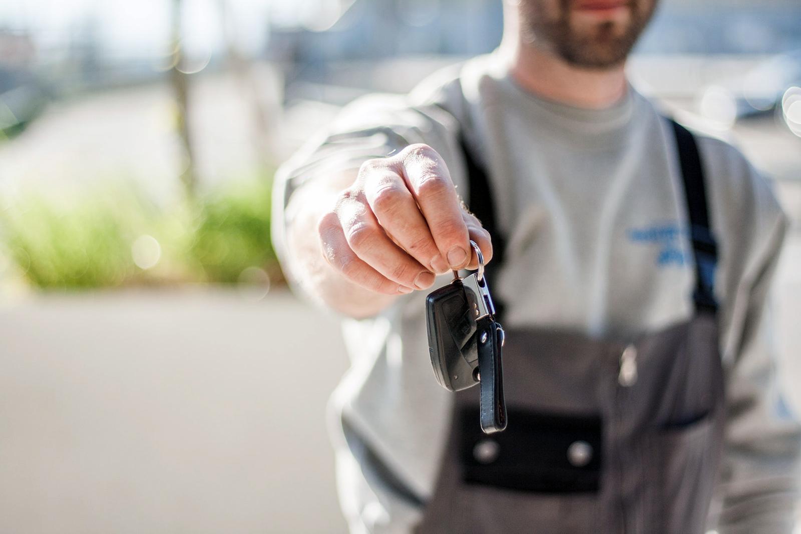 car-buying-car-dealership-car-mechanic-97075.jpg